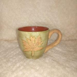 East West Distributing Co. Harvest mug18oz maple l